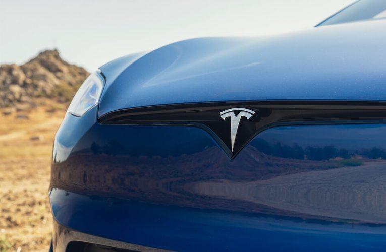"""ต้องการลด FSD บ้างไหม? เทคโนโลยี """"Self-Driving"""" ของ Tesla วางจำหน่ายในราคา 99 ดอลลาร์/เดือน"""