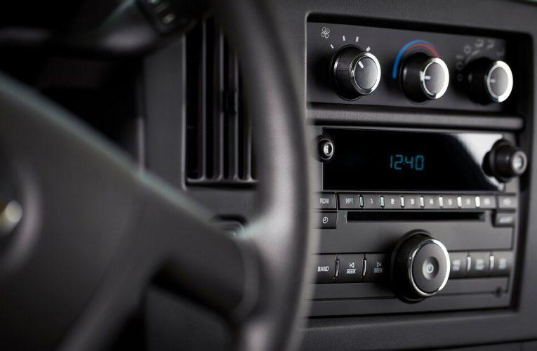 GM ดึงปลั๊กของ Chevy และ GMC Full-Size Vans … เครื่องเล่นซีดีที่มีจำหน่าย