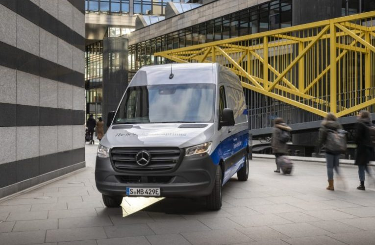 Mercedes รายงานว่าจะจัดส่ง eSprinter Statesside ในปี 2023