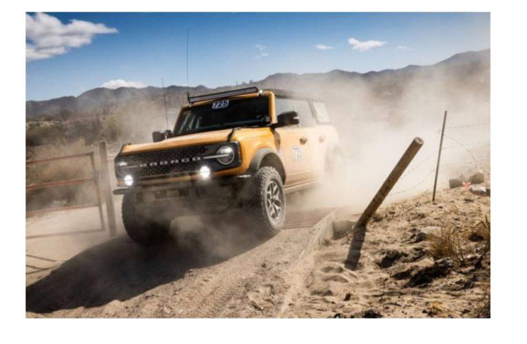 2021 Bronco Badlands โพเดียมที่งาน Mexican 1000 Rally