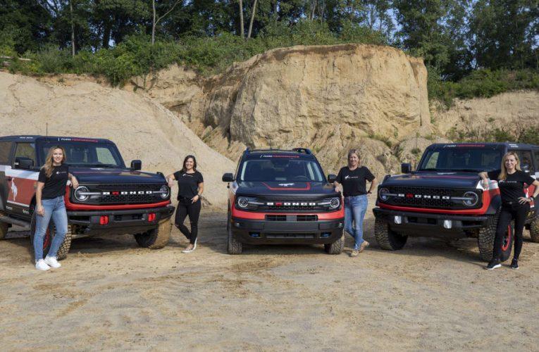Ford มุ่งหน้าสู่การแข่งขัน Rebelle Rally ปี 2021 กับ Broncos และ Bronco Sport